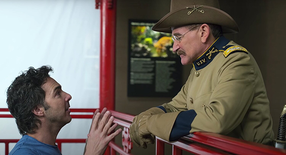Director Shawn Levy and Robin Williams on the set of Night at the Museum