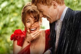 Rachel McAdams as Mary and Domhnall Gleeson as Tim