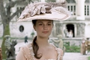 Alicia Vikander	as Caroline Mathilde