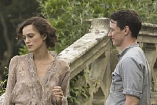 Keira Knightley as Cecilia and James McAvoy as Robbie