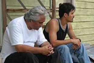 Pedro Castaneda as Jaime and Abel Becerra as Victor