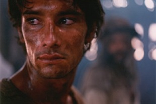 Rodrigo Santoro as Tonho