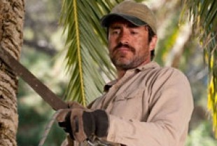 Demian Bichir as Carlos Galindo
