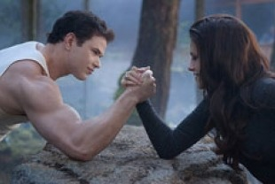 Kellan Lutz as Emmett and Kristen Stewart as Bella