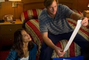 Paula Patton as Cindy and Alexander Skarsgard as Derek