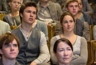 Ansel Elgort as Caleb and Shailene Woodley as Tris