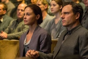 Ashley Judd as Natalie and Tony Goldwyn as Andrew