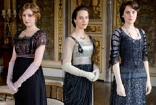 Laura Carmichael as Lady Edith, Jessica Brown-Findlay as Lady Sybil and Michelle Dockery as Lady Mary
