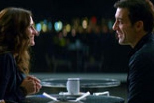 Julia Roberts as Claire and Clive Owen as Ray