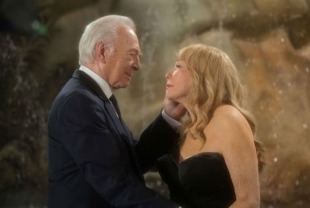 Christopher Plummer as Fred and Shirley MacLaine as Elsa