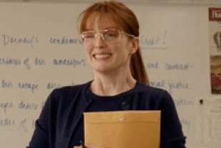 Julianne Moore as Linda