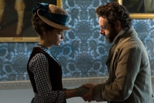 Carey Mulligan as Bathsheba and Michael Sheen as Boldwood