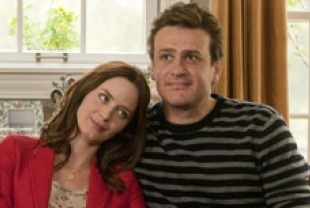 Emily Blunt as Violet and Jason Segel as Tom