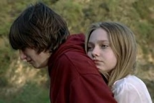Josh Hutcherson as Jimmy and Dakota Fanning as Annie