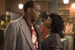 Danny Glover as Tyrone and Lisa Gay Hamilton as Delilah