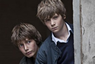 Markus Rygaard as Elias and William Johnk Nielson as Christian