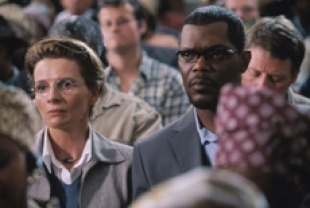 Juliette Binoche as Anna Malan and Samuel J. Jackson as Langston Whitfield
