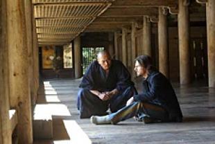 the last samurai film reviews films spirituality practice the last samurai tom cruise as algren and koyuki as taka having a conversation