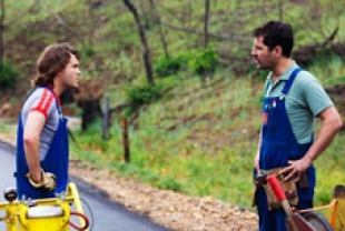 Emile Hirsch as Lance and Paul Rudd as Alvin