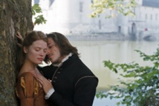 Mélanie Thierry as Marie de Montpensier and Gaspard Ulliel as Henri de Guise