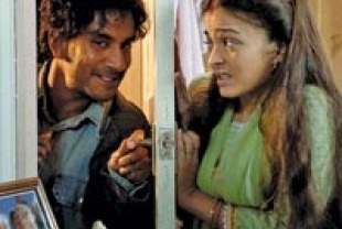 Naveen Andrews and Aishwarya Rai as Kiranjit