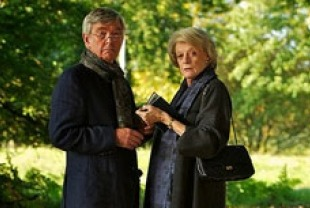 Tom Courtenay as Reginald and Maggie SMith as Jean