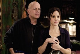 Bruce Willis as Frank Moses and Mary-Louise Parker as Sarah Ross