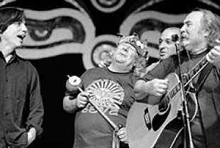 Wavy Gravy and musicians