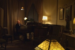 Seymour Bernstein playing in his apartment in NYC