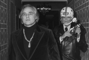 Marlon Brando and Ron Galella