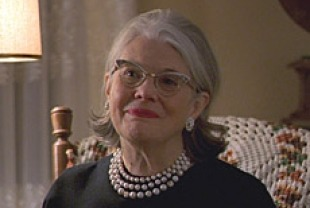 Lois Smith as Inge