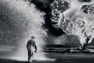 A photo by Sebastiao Salgado