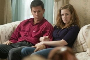 Mark Walhberg as Mickey Ward and Amy Adams as Charlene
