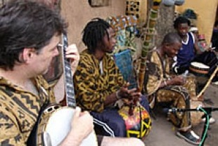 Bela Fleck jamming with African musicians