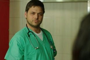 Ohad Knoller as Yossi